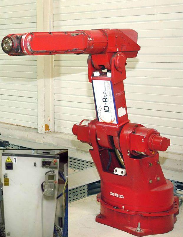 Robot YASKAWA avec sa baie de commande
