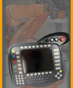 robot KUKA avec sa console
